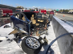 NTSB: Tesla's Autopilot steered Model X into highway median, causing fatal Mountain View crash