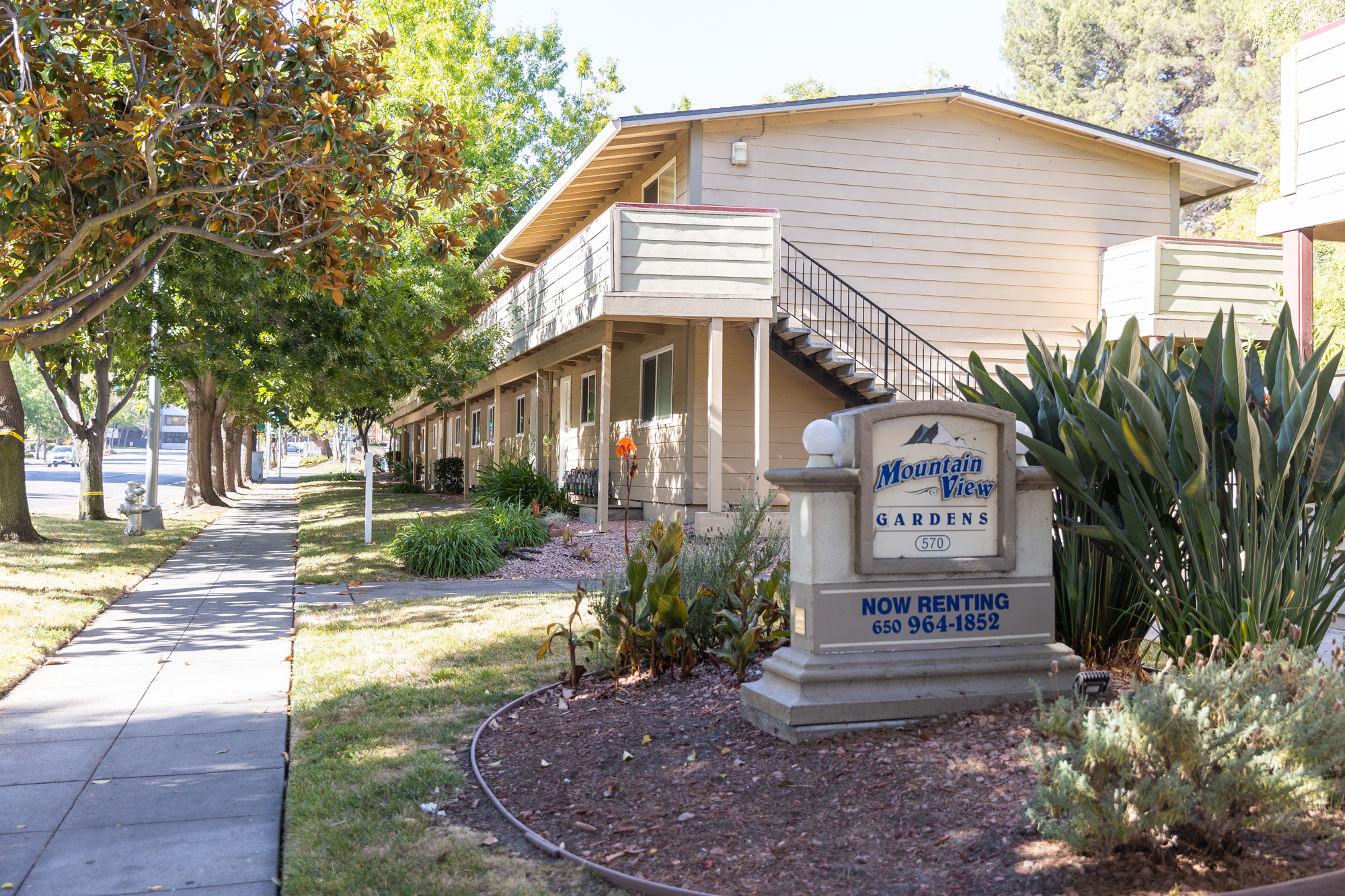 Mountain View approves rowhouse development that will replace 70 rent-controlled apartments